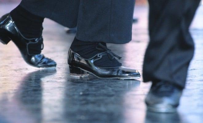 Come eliminare il rumore dalle scarpe (ma davvero) - Scarpe Alte - Scarpe  basse 28c88d650a0
