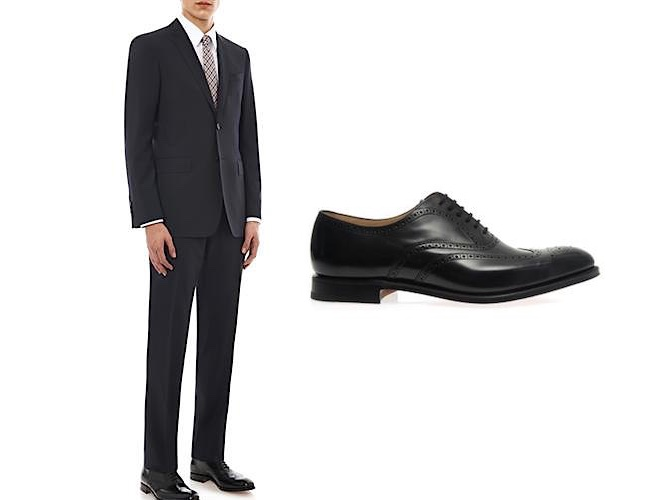 abito grigio scarpe nere abbinamento