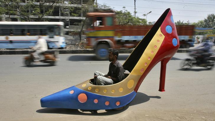 macchina a forma di scarpa