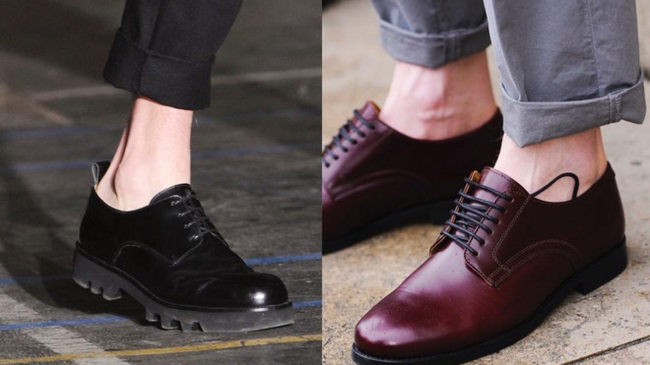 Scarpe e pantaloni alla caviglia, la moda uomo dell'estate