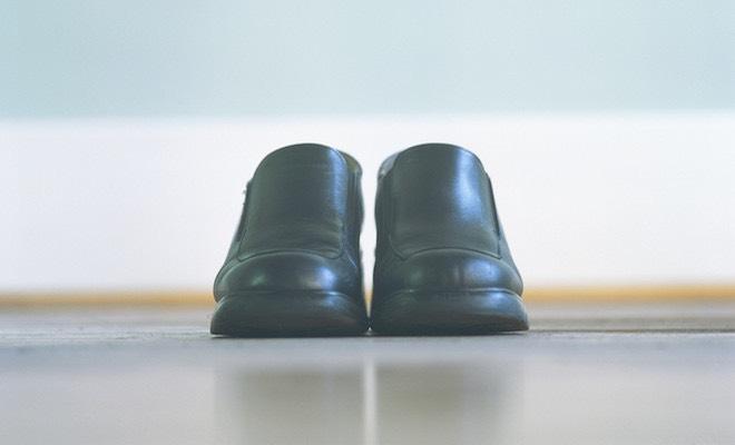 Perché si dice tenere il piede in due scarpe  - Scarpe Alte - Scarpe basse 04ddfaf06f1
