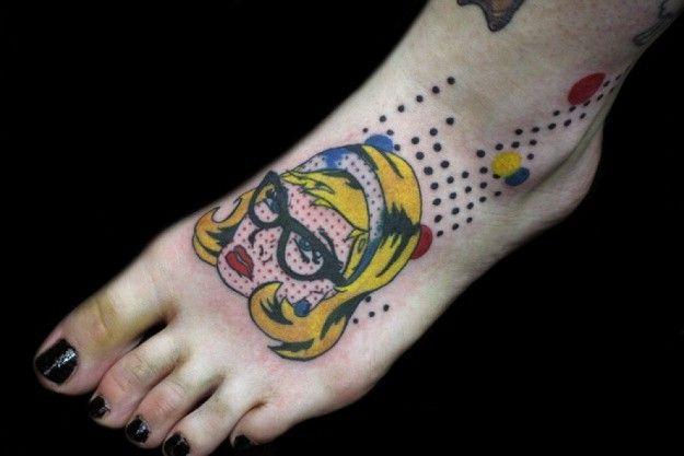 tatuaggio piede lungo
