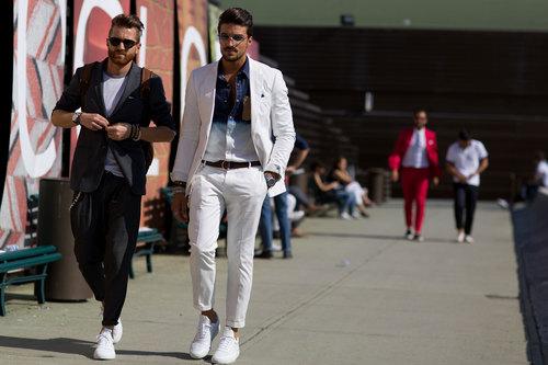 come indossare converse alte uomo