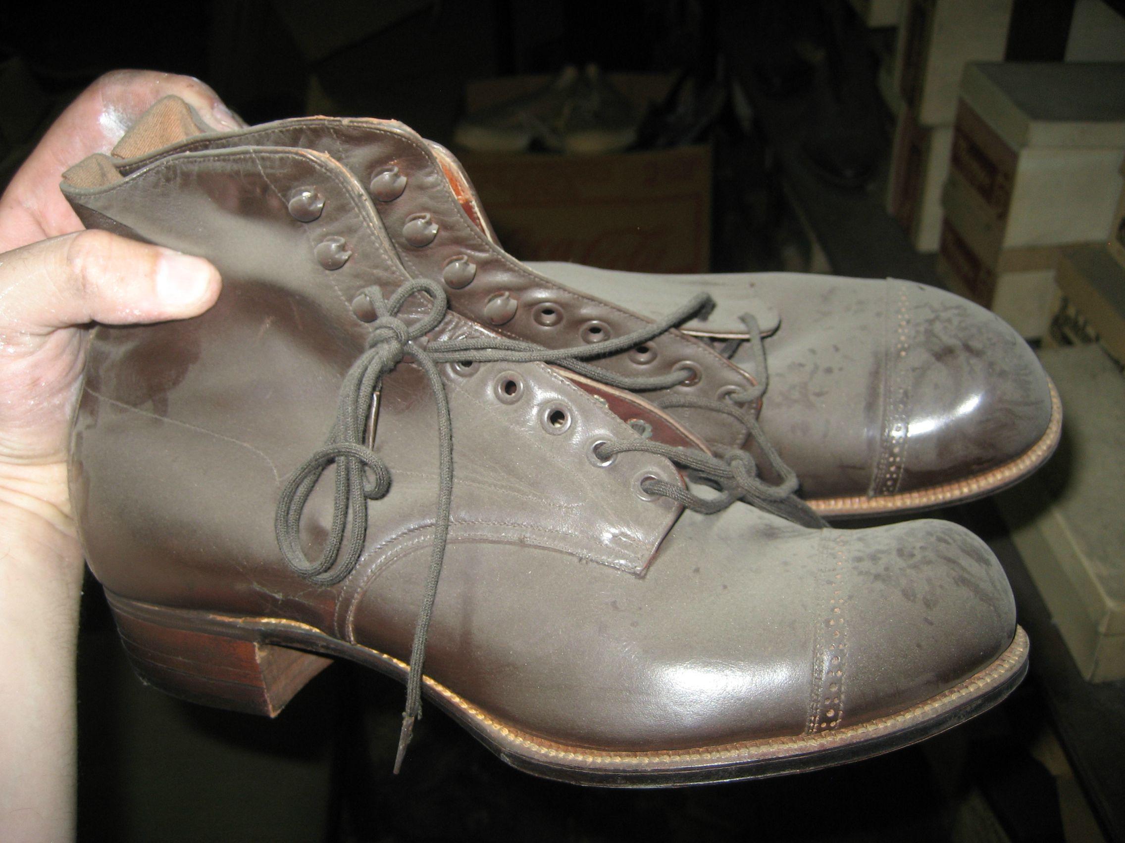 scarpe abbandonate