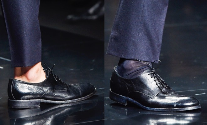 scarpe nere uomo pantaloni blu