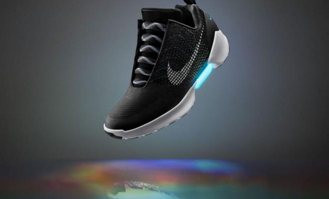 Sono Realtà Una Finalmente Le Autoallaccianti Video Nike Ecco Il wqIXwREx