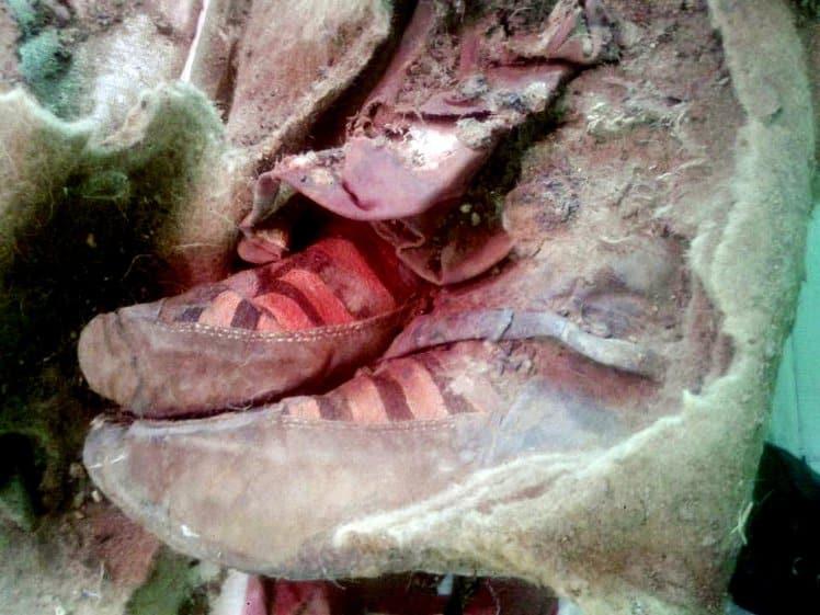 mummia scarpe