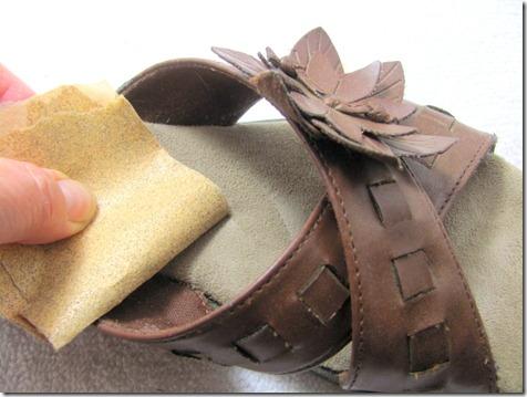 sandpapering shoe_thumb[3]