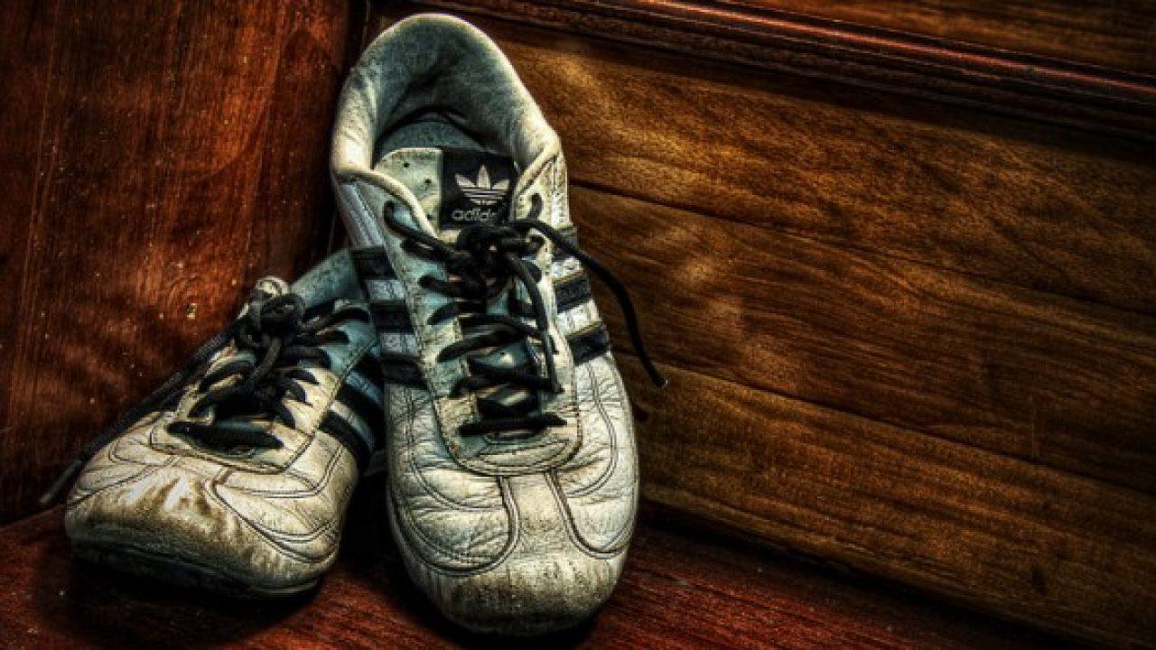 best service c3585 04456 Perché le scarpe da ginnastica puzzano? E come evitarlo ...