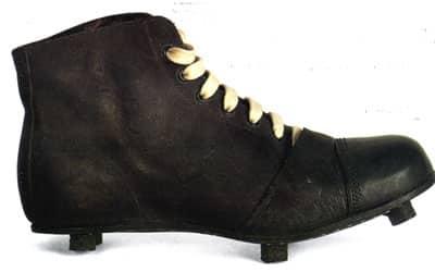 evoluzione-scarpe-da-calcio-1