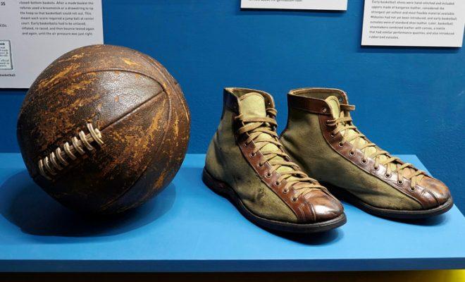 scarpe da basket adidas o nike