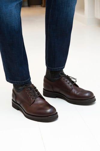 Cucinelli Uomo outfit invernale. cucinelli- jeans scarpe marroni 809e6e42ae4