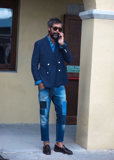 Moda uomo, jeans e scarpe marroni: come abbinarli Scarpe