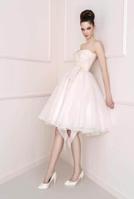 Abito da sposa corto scarpe