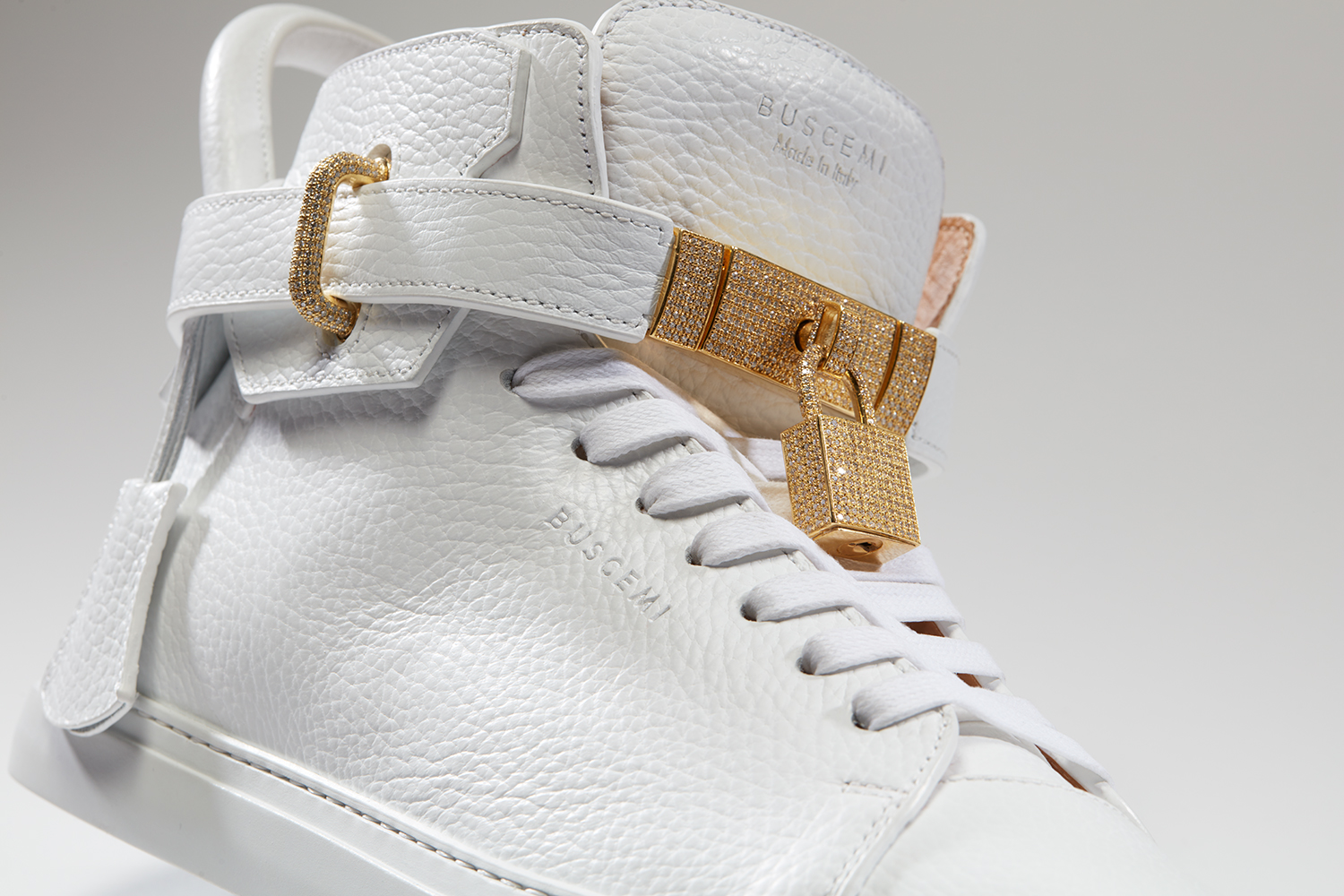 buscemi-diamond-sneakers-05