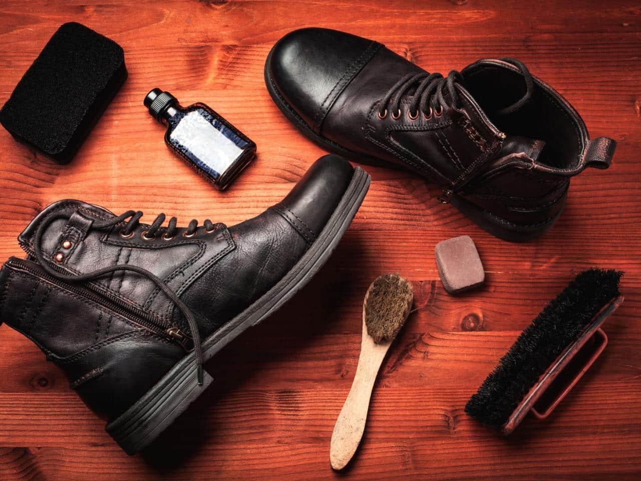 Pulire stivali pelle chiari