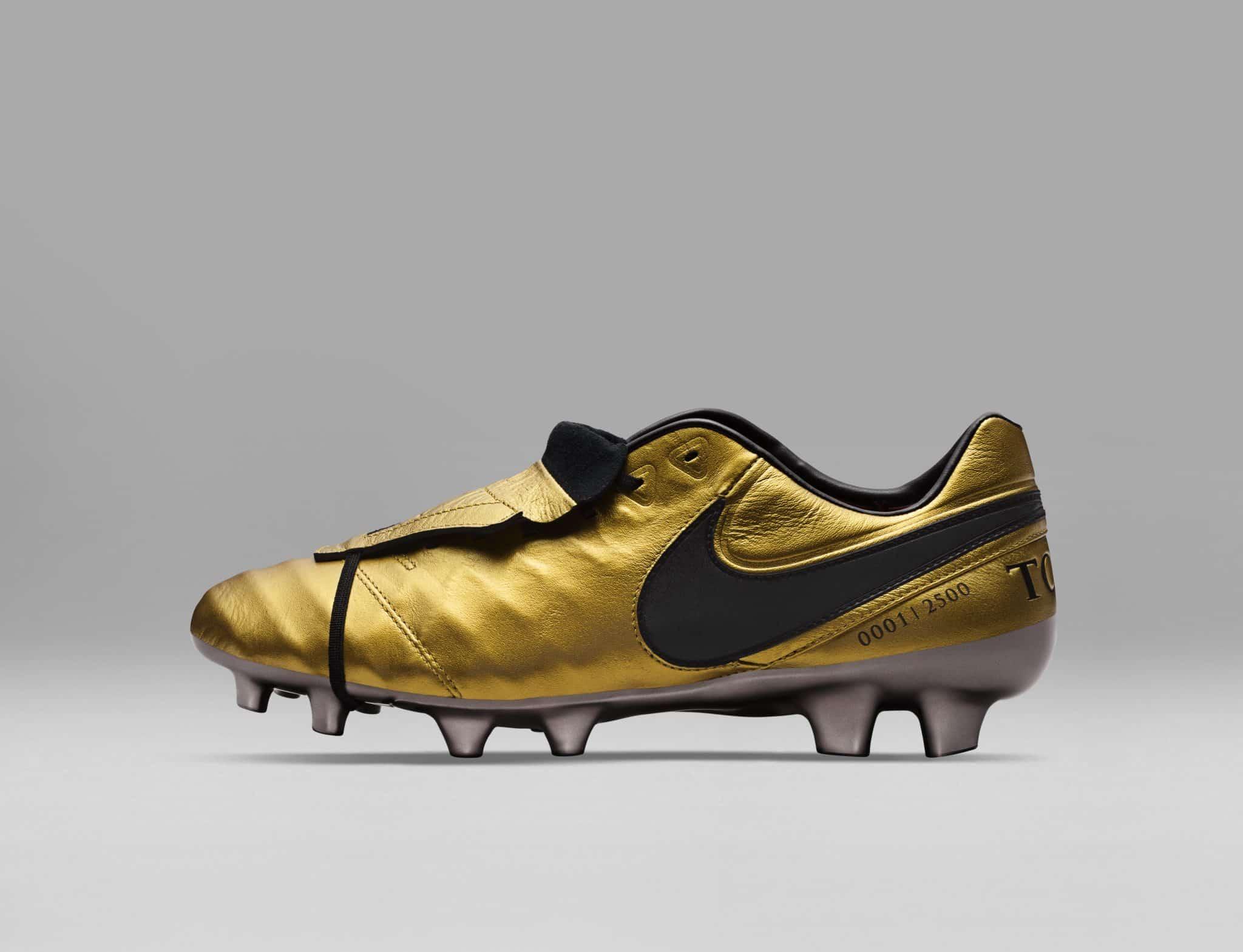 scarpe oro nike