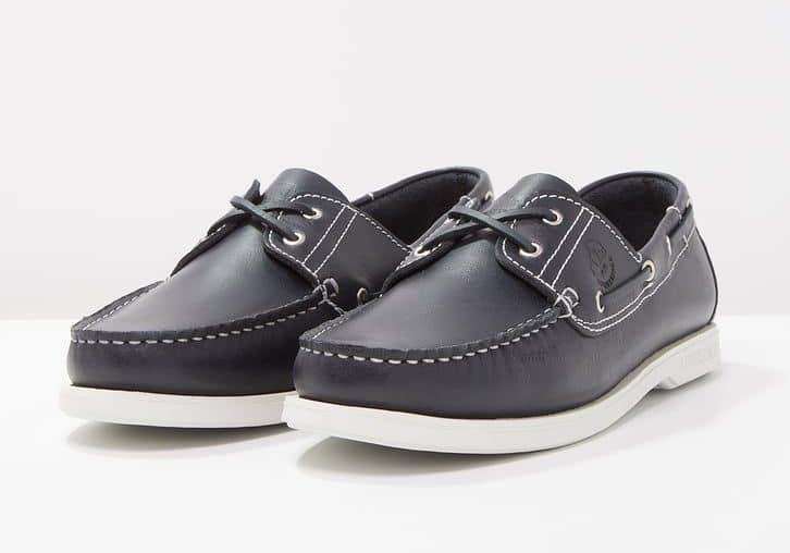 Lumberjack Navigator. Prezzo  dai 65 ai 90 euro. Sperry è un marchio  americano specializzato in scarpe e abbigliamento da barca. e385d55adb0