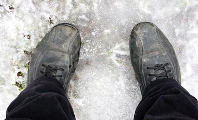 Come togliere le macchie di neve dalle scarpe