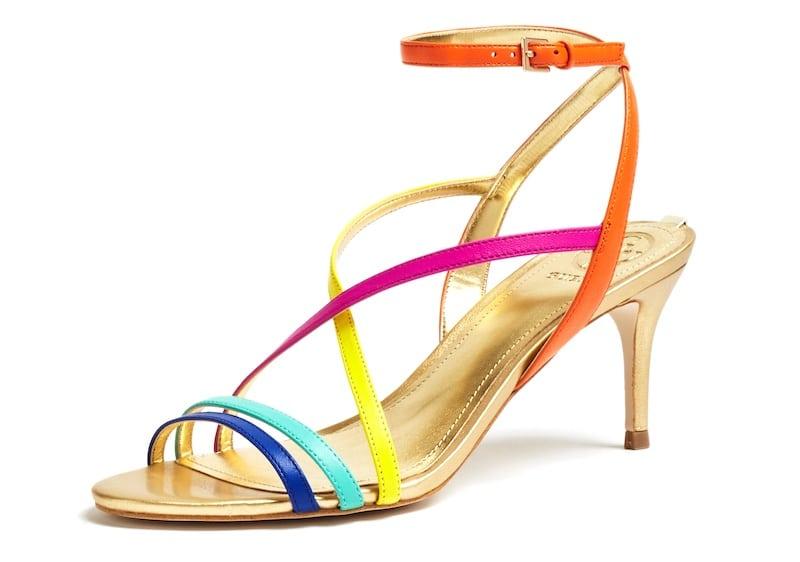 sports shoes b73d9 76085 Scarpe e sandali Guess primavera estate 2019. Foto e Prezzi