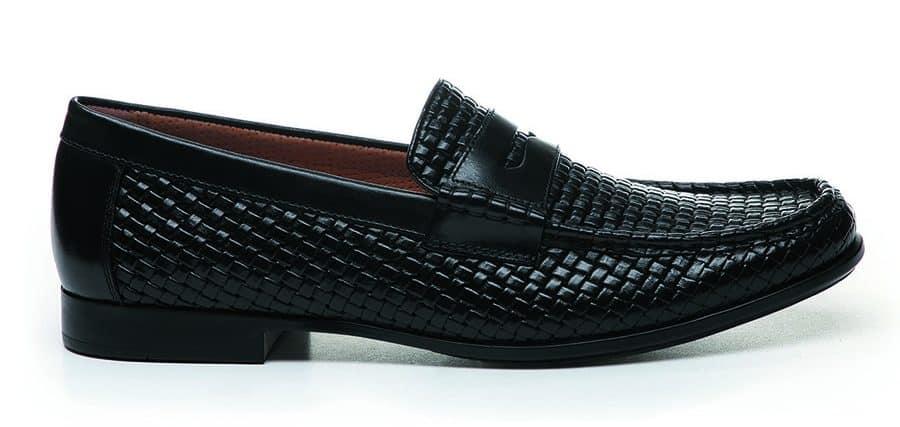 d30f731c5aec9 A metà tra il classico e l informale questi desert boot stile casual