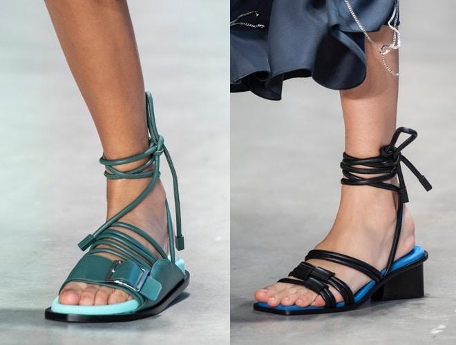 sandali bassi con con lacci estate 2020